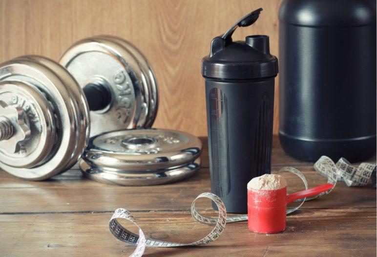 Los batidos de proteínas ayudan obtener mejor rendimiento de la práctica deportiva así como el desarrollo de los tejidos musculares. (iStock)