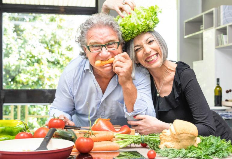 Lo que comemos nos hace fuertes, flacos, gordos… y también tristes, nerviosos o irritables. (iStock)