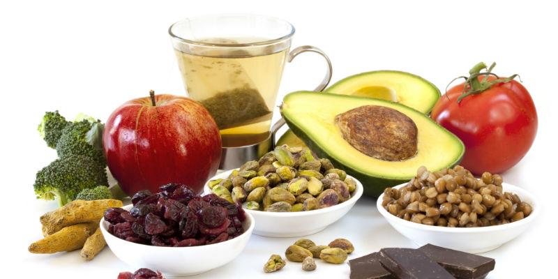 Kale, semillas de chía, aguacate, e incluso los yogures, son considerados superalimentos. (iStock)