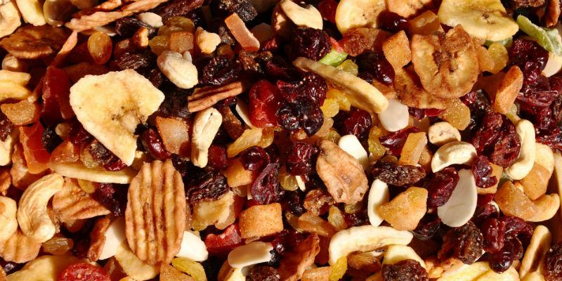 Un aumento en la ingesta de frutos secos está relacionado con un menor riesgo de padecer enfermedades cardiovasculares, diabetes tipo 2, cáncer de colon, cálculos biliares y diverticulitits. (PIxabay)