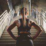 5 ejercicios en una escalera para derretir la grasa