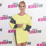 Katy Perry crea su propia línea de zapatillas con caras de payasos
