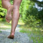 5 beneficios de correr descalzo