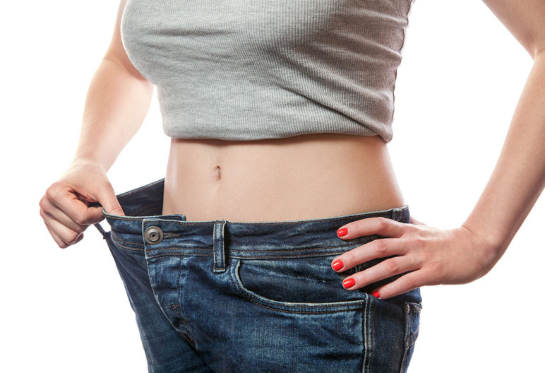 Toma precauciones si pierdes peso de forma brusca. (iStock).