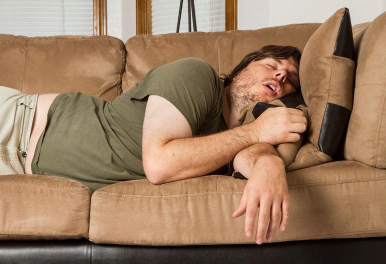 Mejorar la creatividad o los reflejos son algunos de los beneficios de echarte una siesta. (iStock).