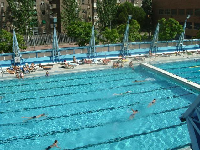 Hay piscinas para entrenar y para descansar (madrid.org)