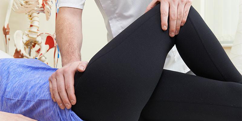 Si el dolor persiste es recomendable recurrir a un profesional (iStock)