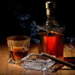 Ésta es la razón por la que fumas más cuando bebes