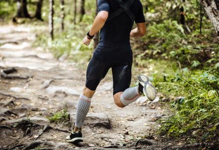 Es muy habitual ver a runners con medias deportivas (iStock)