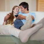 8 beneficios de ver series en pareja