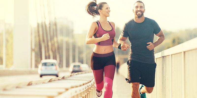 ¿Running o spinning? Lo que más te divierta (iStock)