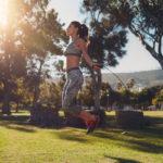 7 ejercicios con la comba para adelgazar rápido