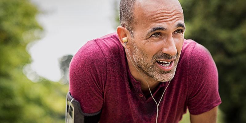 La resistencia aumenta corriendo largas distancias a ritmo muy bajo. O incluso andando (iStock)