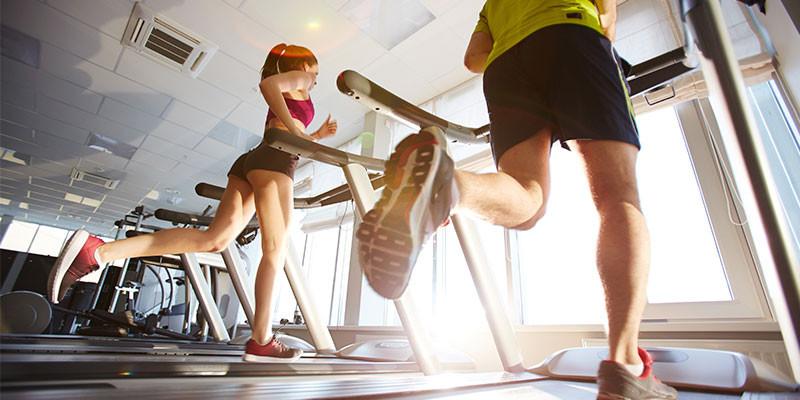 El ejercicio aeróbico es básico para quemar calorías (iStock)