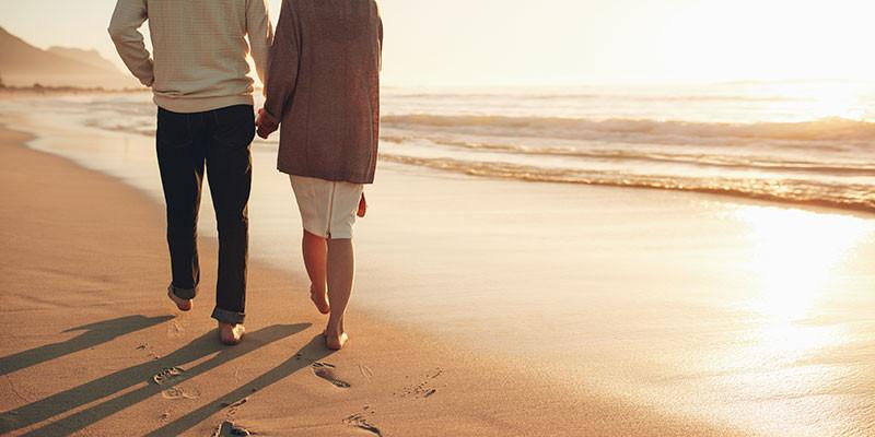 Caminar es una gran actividad contra la hipertensión (iStock)