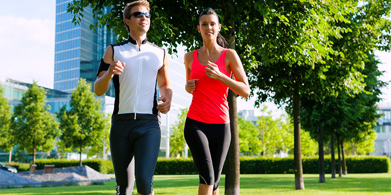 Los hipertensos pueden mejorar corriendo (iStock)