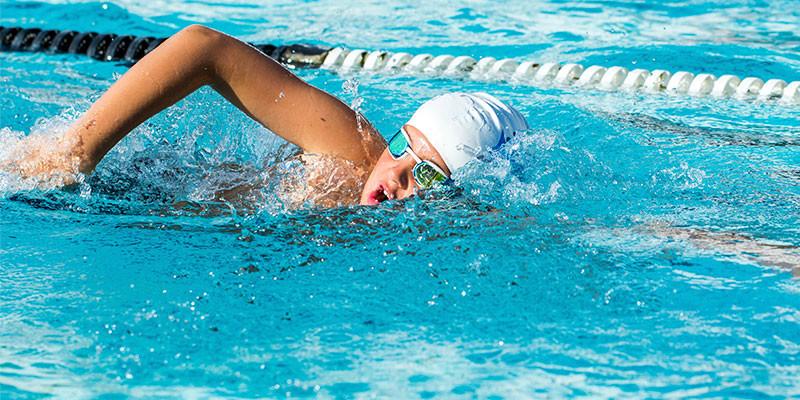 Nadar solo tiene beneficios (iStock)