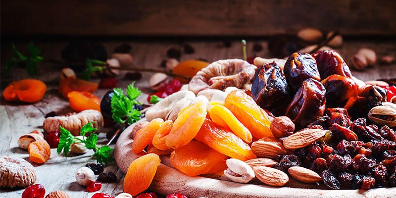 Las frutas secas aportan fibra, vitaminas y minerales (iStock)
