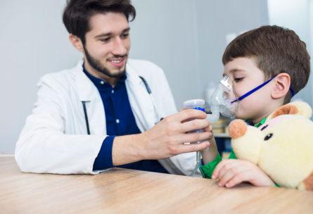 Han inventado un dispositivo que puede detectar hasta 17 enfermedades a través del aire exhalado (iStock)