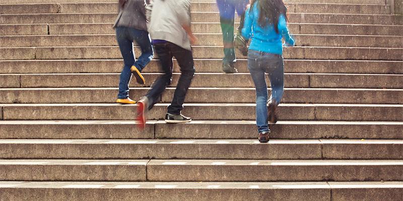 Utiliza las escaleras (iStock)
