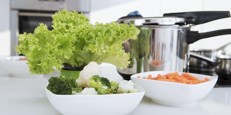 Una de las técnicas de cocina saludable es la cocción (iStock)
