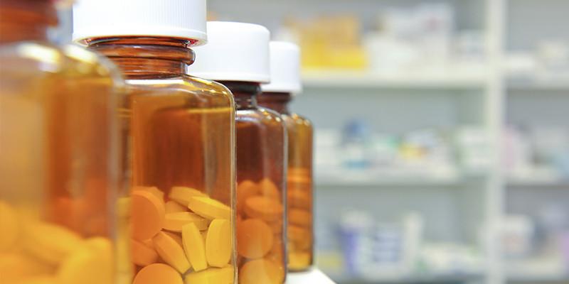 Puedes mejorar algunos de tus problemas de salud con productos medicinales en parafarmacias (iStock)