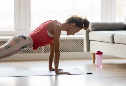 Ejercicios en casa para principiantes (iStock)