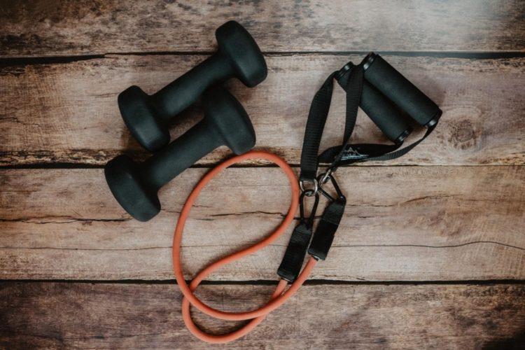 Ejercicio en casa para principiantes (iStock)
