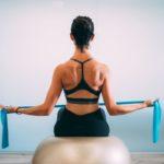 Los 7 accesorios deportivos que deberías tener para hacer ejercicio en casa